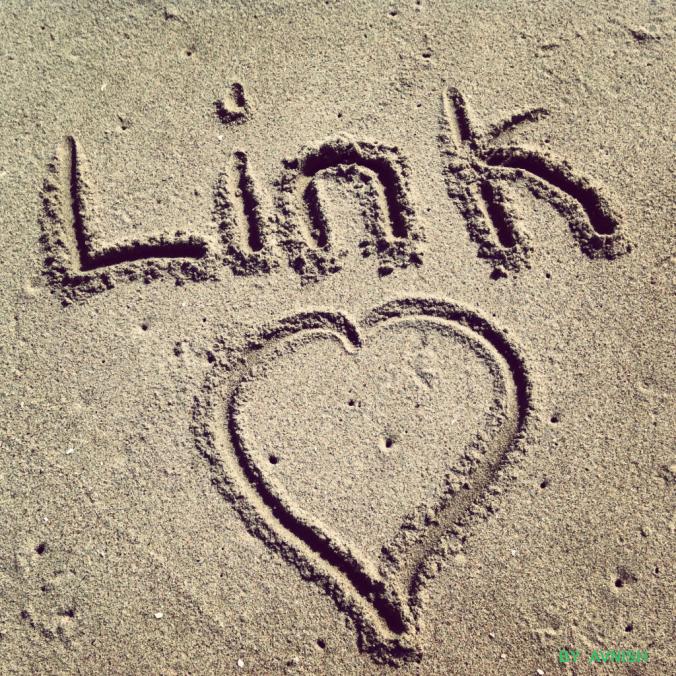 link-love-beach-1024x1024